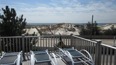 Oceanview Renovated Cape on Point Lookout - steps to ocean and private beach
